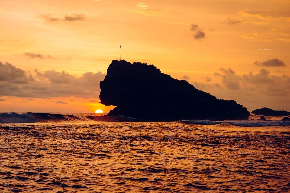 Surf Trip Pacitan Java