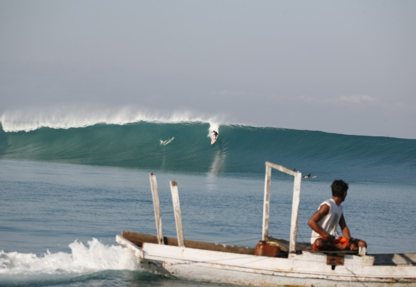 Surfing T Land Rote Indonesia